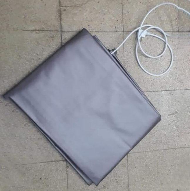 سجادة التدفئة الكهربائية الحريري قياس 2X2 مع عازل ضد الماء ومقاوم للحرارة والحرائق ,Electrical Carpet